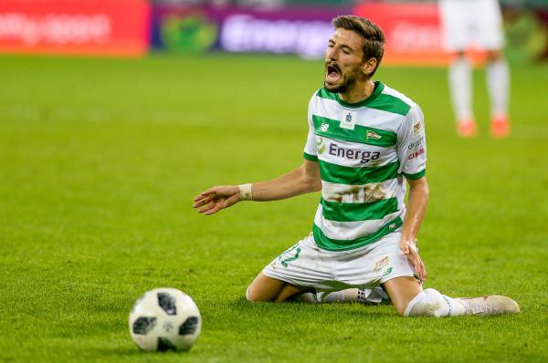 Filip Mladenović strzelił karnego na wagę awansu Lechii Gdańsk do 1/16 finału Pucharu Polski.
