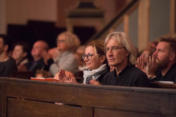 """Koncerty w kościele Św. Trójcy przyciągają """"wyrobioną"""" publiczność."""