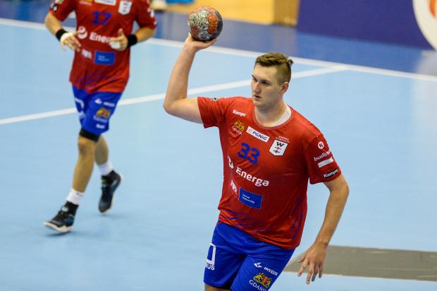 Paweł Salacz rzucił Azotom 7 bramek, niestety wszyscy jego koledzy łącznie, niewiele więcej