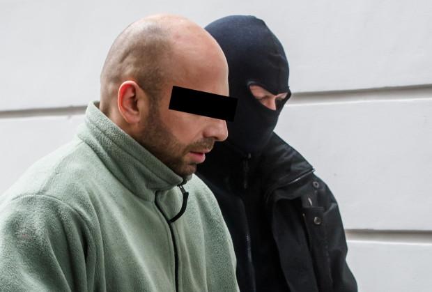 Krystianowi W. prokuratura zarzuca popełnienie aż 65 przestępstw, w większości o charakterze seksualnym.