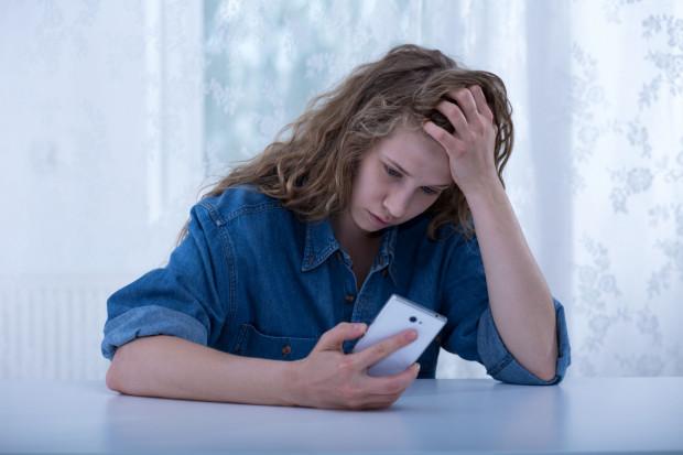 Życie młodzieży w bardzo dużej mierze przeniosło się ze świata realnego do świata wirtualnego.