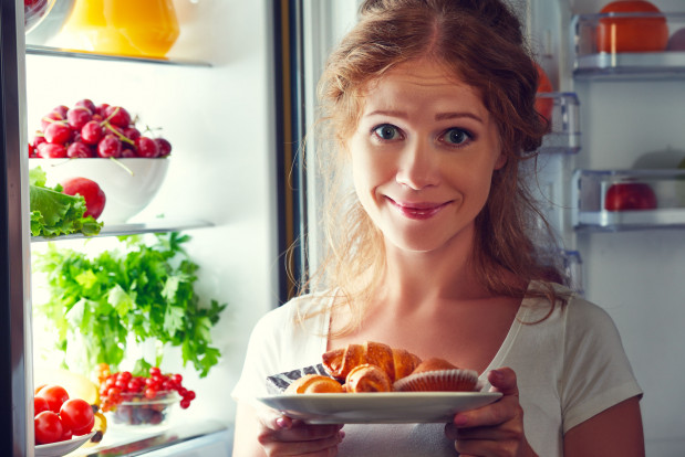 """Jesień sprzyja podjadaniu, warto sprawdzić jak nie przybrać """"sezonowych"""" kilogramów."""