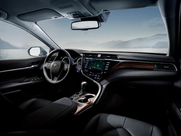 Camry zastąpi w ofercie Toyoty model Avensis.