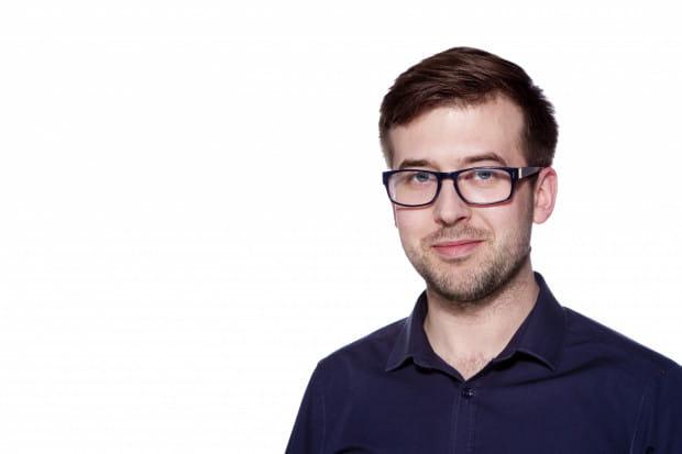 W pracy zawodowej umiejętnie łączy dwa obszary swojej specjalizacji - jako kulturoznawca pracuje w II LO im. Bolesława Chrobrego w Sopocie, gdzie uczy etyki oraz wiedzy o kulturze, a jako psycholog - w Zakładzie Psychologii Wspomagania Rozwoju SWPS, Sopockim Uniwersytecie Trzeciego Wieku i Centrum Rozwoju Jump.
