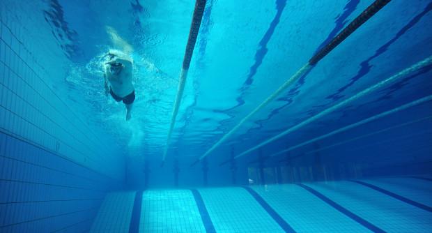 Zamiast pływalni olimpijskiej działacze PO i Nowoczesnej z Gdyni proponują budowę czterech basenów w dzielnicach i bony sportowe dla najmłodszych.