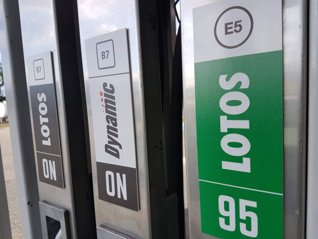 Na stacjach pojawiły się nowe oznaczenia, ale zapewne niektórzy kierowcy w ogóle ich nie dostrzegą.