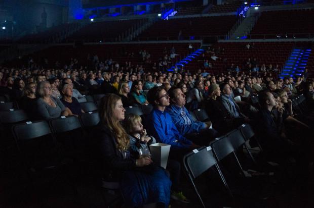 Na widowni Ergo Areny zasiadło niespełna tysiąc słuchaczy.