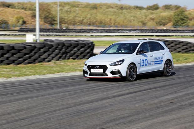 Gratką dla uczestników imprezy była możliwość przejechania się po torze hot hatchem Hyundaia.