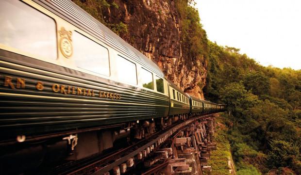 Podróżując pociągiem mamy możliwość podziwiania malowniczych widoków.