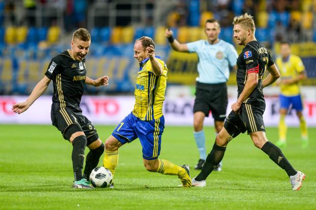 Rafał Siemaszko raz jest rezerwowym, raz piłkarzem pierwszego składu. Jak twierdzi to go nie rozprasza, bo wie, jak jest w stanie pomóc drużynie.