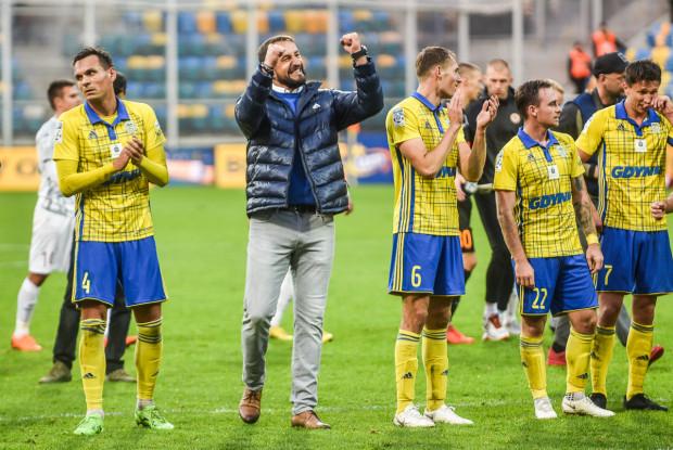Zbigniew Smółka cieszy się z passy czterech meczów bez porażki i zapowiada, że jego piłkarze czekają na więcej.