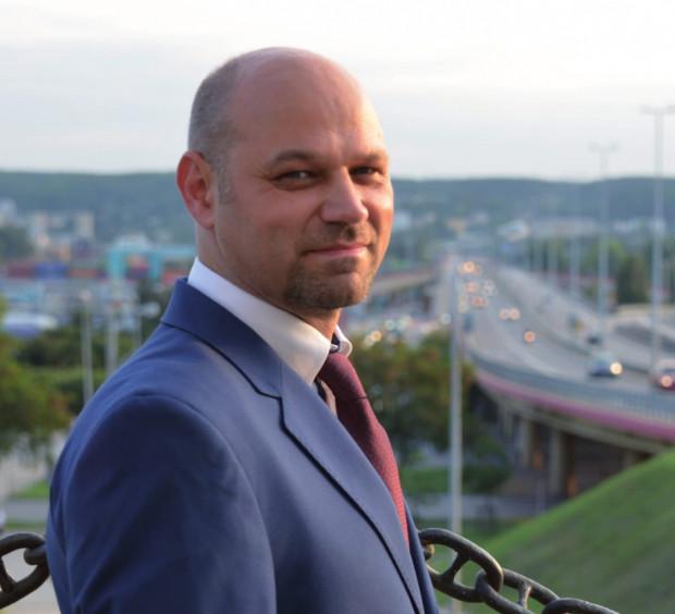 Absolutnym debiutantem będzie Ireneusz Trojanowicz, jedyny przedstawiciel komitetu Wspólna Gdynia.