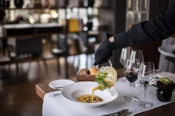 Spotkania biznesowe mogą odbywać się w miłej atmosferze przy smacznym śniadaniu lub lunchu.