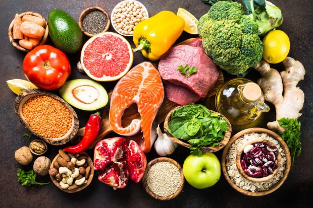 Białko jest składnikiem odżywczym, który może być pełnowartościowy lub niepełnowartościowy.