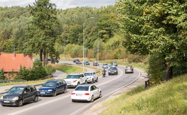 Dodatkowy, trzeci pas ruchu wzdłuż ul. Spacerowej miałby być przeznaczony wyłącznie dla autobusów.
