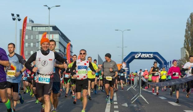 Na starcie półmaratonu ma się pojawić kilka tysięcy biegaczy.