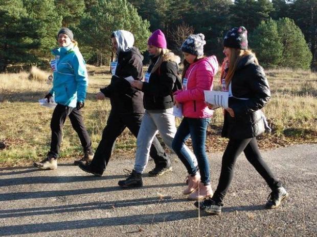 Biegi i marsza na orientację to znakomity sposób, aby rodzinnie spędzić czas na świeżym powietrzu.