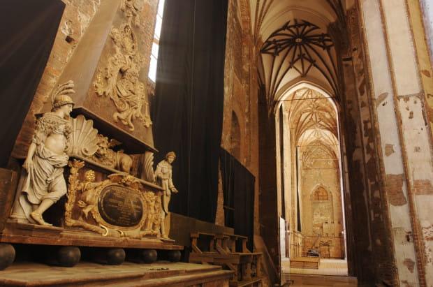 Kulturalne Centrum św. Jana znajduje się jednym z największych gdańskich zabytków sakralnych, który jeszcze w ubiegłym wieku był w ruinie.
