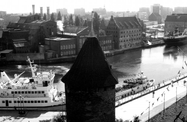 Tak wyglądała obecna Filharmonia Bałtycka w 1989 r., gdy była jeszcze elektrociepłownią.