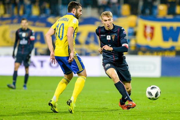 Adam Buksa i Luka Zarandia mieli olbrzymi wpływ na wynik meczu Arka Gdynia - Pogoń Szczecin 2:3. Skuteczniejszy był eksnapastnik Lechii Gdańsk i m.in. dlatego goście cieszyli się z wygranej.