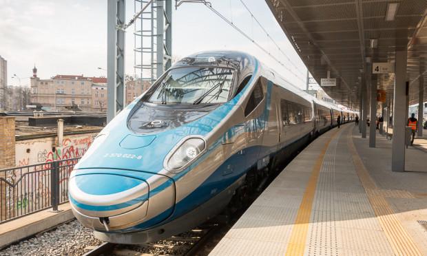 PKP Intercity zwiększy liczbę par pociągów pendolino z 12 do 14.