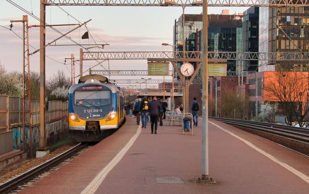 Obecnie pasażerowie o opóźnieniach dowiadują się, gdy wejdą na peron.