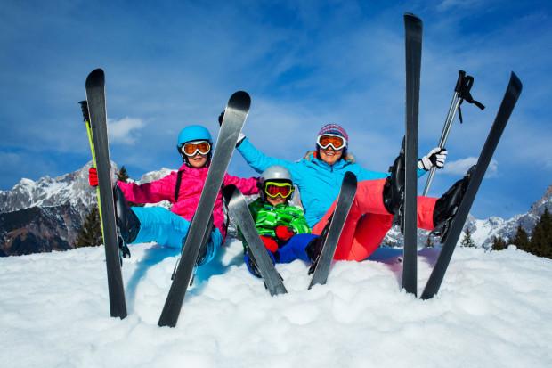 Odpowiednio przygotowane do sezonu narty zapewnią nam zarówno frajdę, jak i bezpieczeństwo.