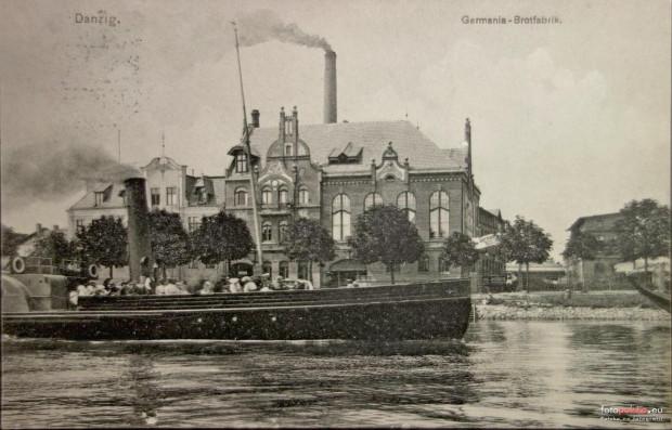 Na początku XX wieku, w budynku przy ul. Wiosny Ludów 4 (wówczas Schuitensteg), działała duża piekarnia, którą z racji rozmiaru nazywano Fabryką Chleba (niem. Brotfabrik).
