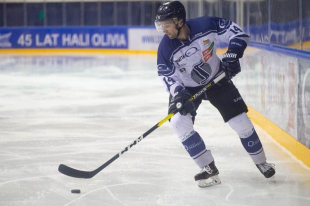 Konstantin Tesliukiewicz zagrał mimo urazu, ale nie uchronił gdańszczan przed kolejną porażką.