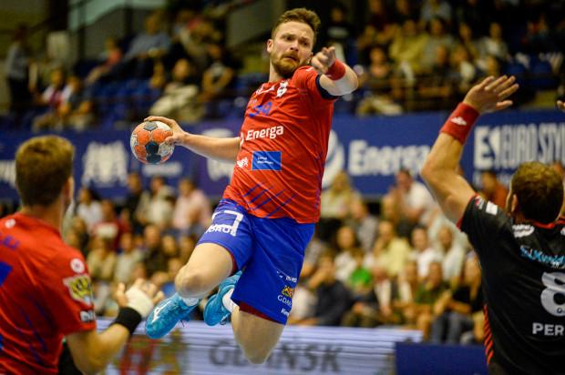 W pierwszej połowie meczu z Górnikiem atakiem Wybrzeża dowodził Mateusz Wróbel, który zdobył w niej aż 7 bramek. Po przerwie już nie dołożył gola.