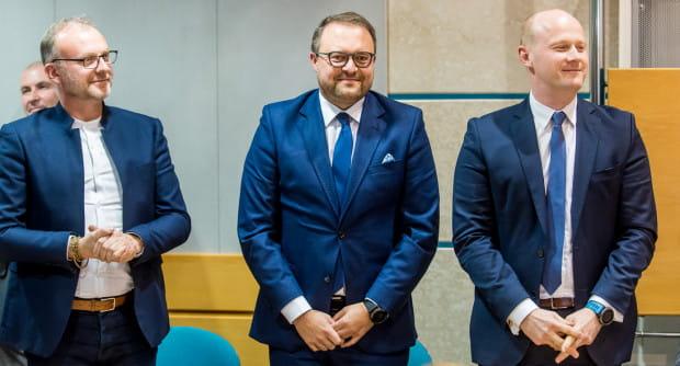 Na inauguracyjnej sesji obyło się bez niespodzianek. Nowym wiceprezydentem zgodnie z przewidywaniami został Marek Łucyk.