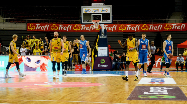 Koszykarze Trefla Sopot nie przełamali się pod wodą tymczasowego trenera, Krzysztofa Roszyka.