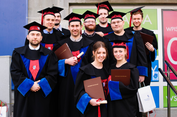 Absolwenci Wyższej Szkoły Zdrowia w Gdańsku są cenionymi na rynku specjalistami, a sama uczelnia coraz silniej identyfikowana jest jako centrum kształcenia wykwalifikowanych pracowników z obszaru nauk o zdrowiu.