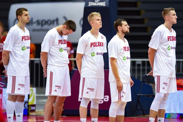 Łukasz Kolenda (w środku) ponownie dostał powołanie do kadry Polski.