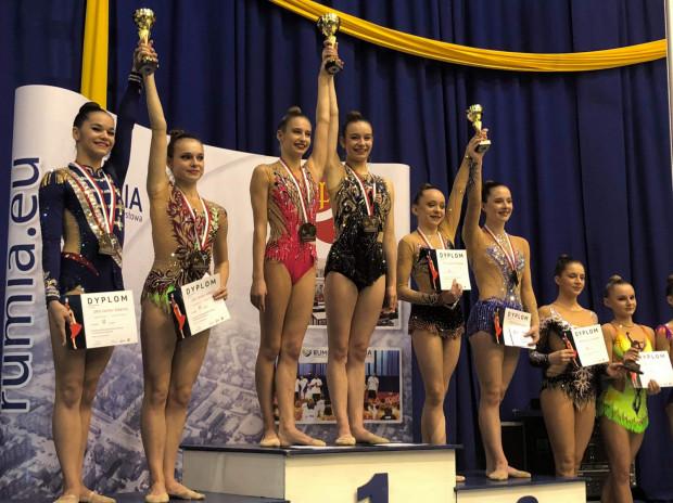 Najlepsze seniorki w drużynowych mistrzostwach Polski. Na pierwszym i drugim stopniu podium gdyńskie gimnastyczki artystyczne.