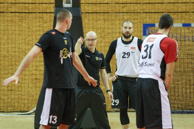 Jukka Toijala we wtorek spotkał się z koszykarzami Trefla na pierwszym treningu.