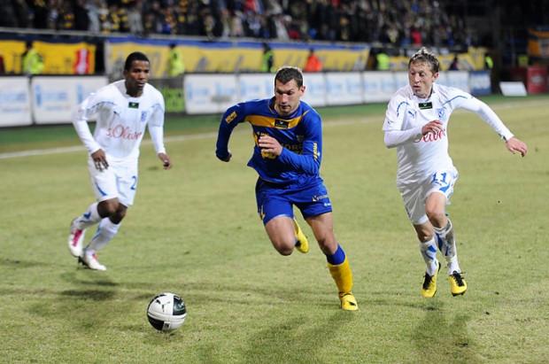 Tadas Labukas (w środku) i Rafał Murawski (z prawej) zagrali ponownie przeciwko sobie, tym razem w meczu Polska - Litwa
