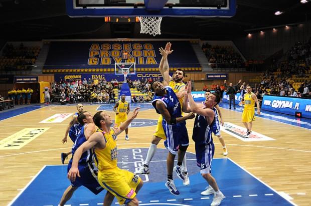 Koszykarze Asseco Prokom kończą sezon zasadniczy meczem wyjazdowym z Anwilem Włocławek.