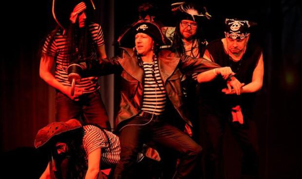 Piraci najszybciej podbijają serca publiczności. I nie się co dziwić. Nikt tak nie tańczy po szkocku jak oni.