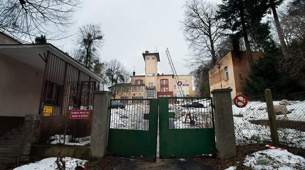 Od ponad 15 lat dawna siedziba TVP3 stała pusta, teraz została wystawiona na sprzedaż za ponad 8,6 mln zł.