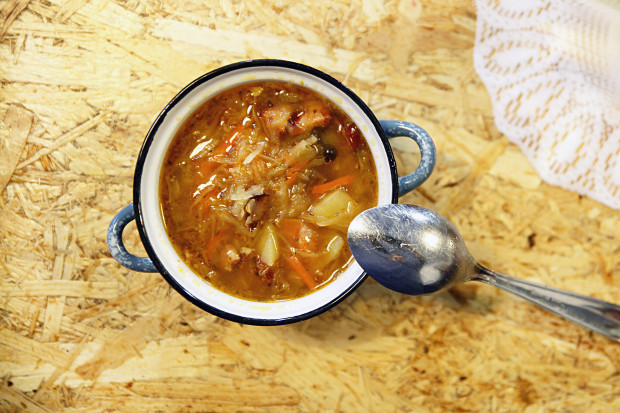 W Kociołku Konesera zjemy uczciwe, sycące i - co najważniejsze - autentycznie smaczne zupy.