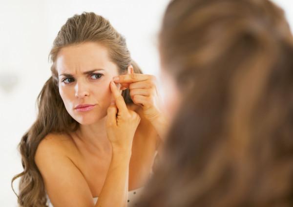 Nasza skóra to mapa. Niestety przyczyn schorzeń skórnych, trądziku czy innych dermatoz może być bardzo wiele.