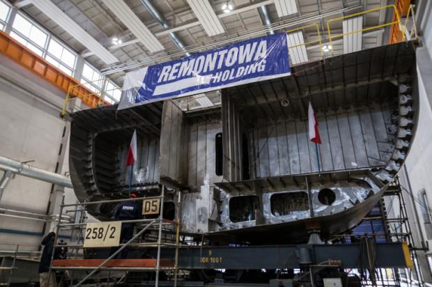 Okręty typu Kormoran wykonane są ze stali amagnetycznej. Prefabrykacja, montaż sekcji, bloków i kadłuba odbywa się w specjalnej hali w kontrolowanych warunkach, m. in. temperatury, wilgotności i czystości powietrza.