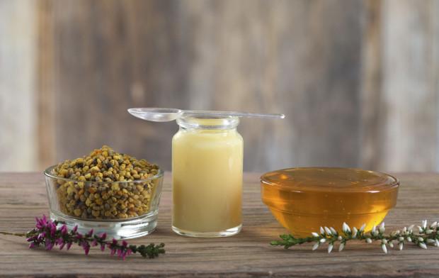 Mleczko pszczele poprawia ogólny stan zdrowie, poprawia koncentrację, a także wzmacnia pamięć oraz bardzo korzystnie wpływa na sen.