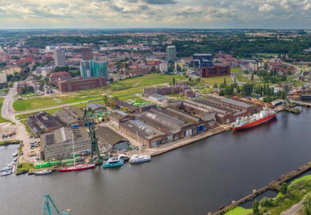 Tereny stoczniowe zostają Pomnikiem Historii.