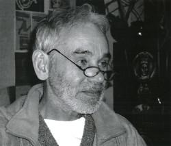 Jerzy Kamrowski był kustoszem Muzeum Archeologicznego w Gdańsku, jego obrazy prezentowane były w galeriach w Polsce i Europie.