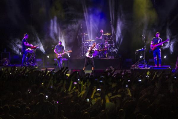 Podczas półtoragodzinnego koncertu nie zabrakło kawałków z nowej płyty i dawnych przebojów.