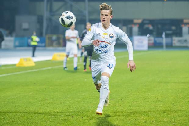 Maksymilian Banaszewski będzie kolejnym piłkarzem, który poszedł do Arki za trenerem Zbigniewem Smółką.