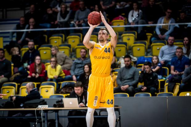 Deividas Dulkys na początku sezonu wydawał się nietrafionym transferem arki. Od kilku meczów pokazuje jednak, że dalej potrafi grac na wysokim poziomie.