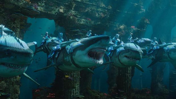Największą zaletą filmu, poza Jasonem Momoą, są oszałamiające efekty specjalne. Imponująco prezentują się przede wszystkim podwodne królestwa, wśród których znajdziemy nie tylko Atlantydę, ale też ich unikalni mieszkańcy.